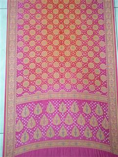 Bandhani saree in Gadhwal Silk 16